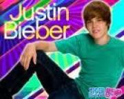 Justin Bieber ist einfach nua so Geil<3 Und singen kann er auch noch so gudd!! von Desi Mädl