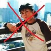 """95% der Jugend würden weinen wenn Justin Bieber auf nem Wolkenkratzer steht und runter springen will. Wenn du auch zu den 5% gehörst die Popcorn essen und dabei """"Mach wenigstens nen Backflip"""" schreien, dann meld dich da an!!! von Stefan"""
