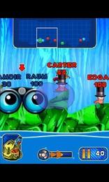 Screenshot von Das Comic-Kriegsspiel kehrt aufs Handy zurück! Lass deine Würmer mit alten und neuen, schrägen Waffen kämpfen!