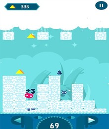 Screenshot von Die Monster sind los! Weiche mit deinem Monster dem herabfallenden Eis aus und sammle wertvolle Dreiecke.