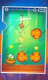 Screenshot von Experimentiere bei der Fütterung Om Nom® mit Bonbons! Schneide Seile wie niemals zuvor! Alles was dir Spaß macht und neue Spielinhalte! 200 Levels  und das ist nicht das Ende!