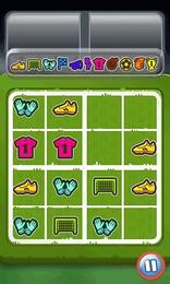 Screenshot von Kombiniere Fußball-Gegenstände indem du sie zusammen verschiebst. Zwei gleiche erzeugen einen neuen. Erreichst du die Trophäe?