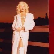 Christina Aguilera feat. Demi Lovato - Fall In Line
